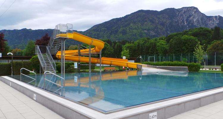 Schwimmbad - erweiterte Öffnungszeiten